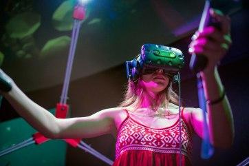 woman does virtual reality android jones' samskara immersive art exhibit
