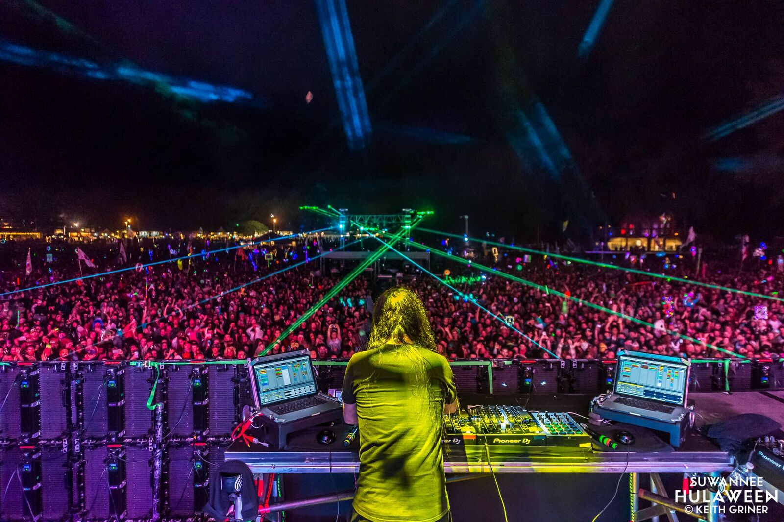 Bassnectar drop unreleased drum and bass ID on Okeechobee 2020 crowd