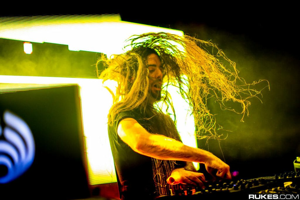 Bassnectar neck hair headbang
