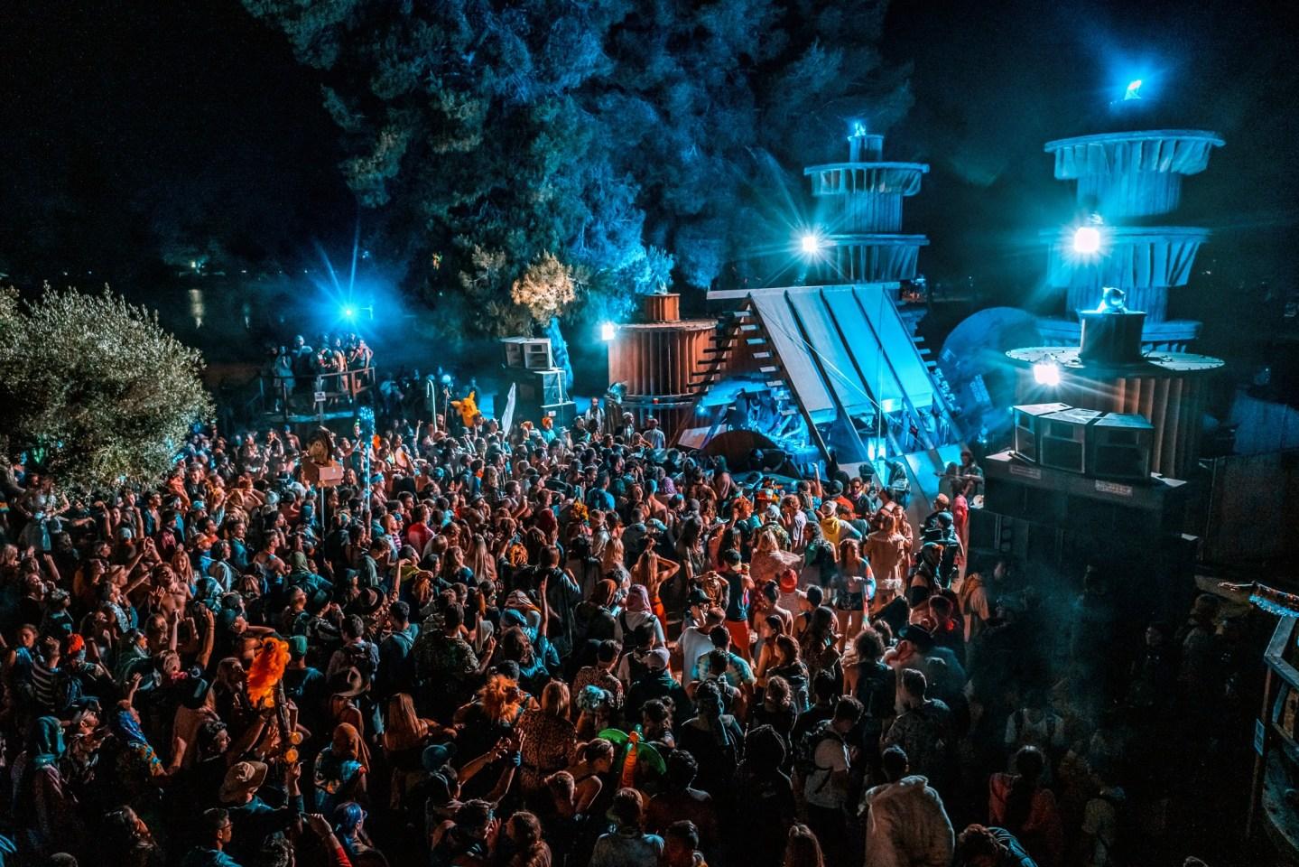 LiB stage crowd at night