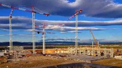 The construction site at Saint-Paul-lez-Durance: when the reactor building is complete, it will rise some 60 metres into the air and reach 10 metres below the ground.