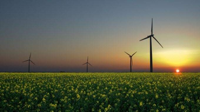 Driven by solar and wind, world investments in renewable energy leapt in 2014. Photo credit: Jürgen from Sandesneben, Germany/Licensed under CC BY 2.0