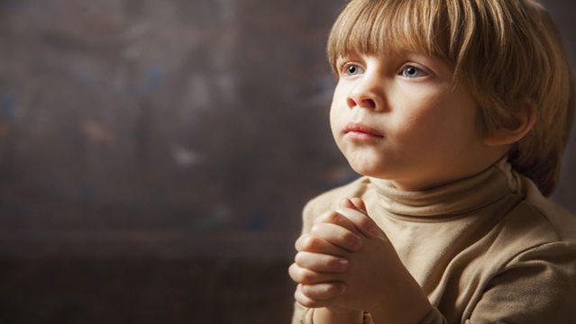 Boy-Praying-