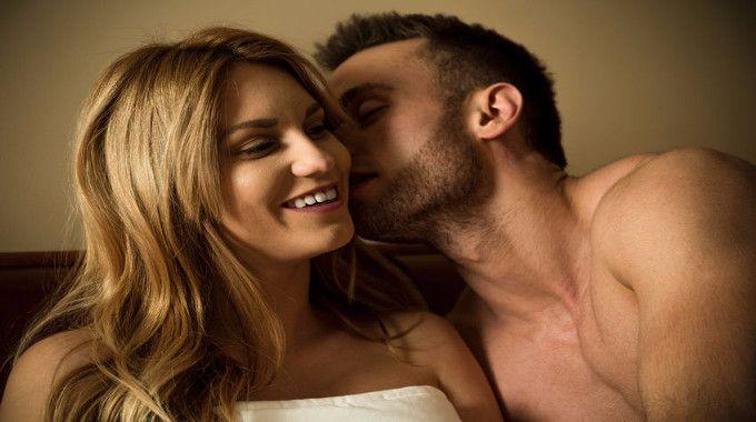 Men and women love in bed