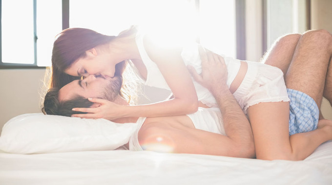 passionate-kissing-couple