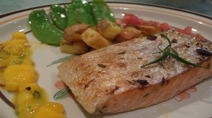Thyme_and_Garlic_Grilled_Salmon-compressed
