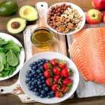 3 Foods to Avoid and 5 to Chow Down on if You Want to Eat Healthy