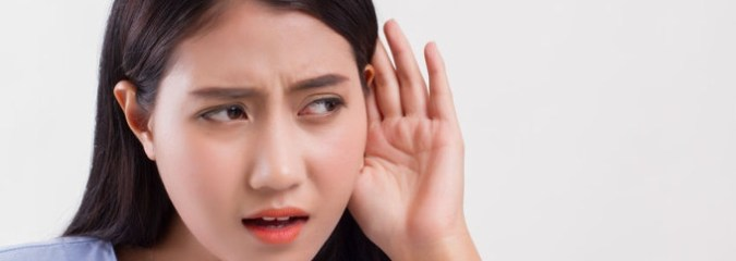 Good Noise, Bad Noise: White Noise Improves Hearing