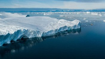 Melting Icebergs Begin the Sequence that Triggers an Ice Age, Scientists Find