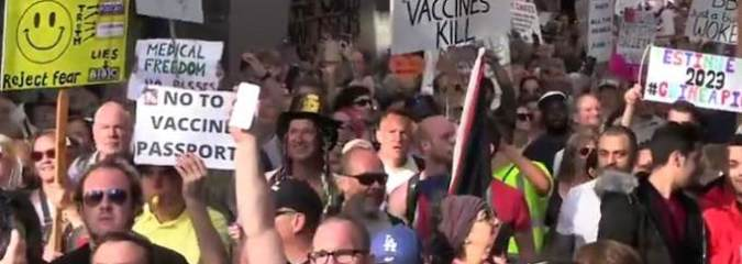 Mass Protests Can End Vaccine Passports