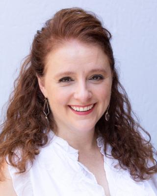 Dr. Adriana Popescu