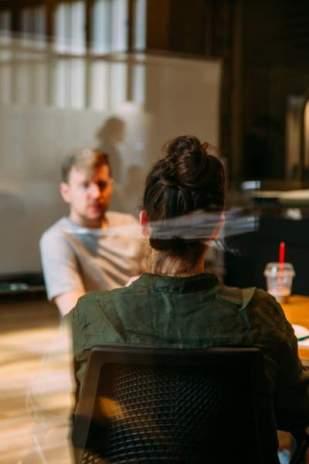 comment réussir son entretien d'embauche sans raconter une histoire captivante au recruteur ?
