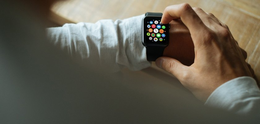 Apple Watch Battery Issues Reported; GPS App Location Defects Too Consider The Consumer