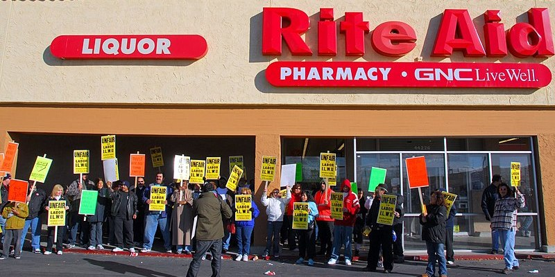 Rite Aid Uniform Class Action Lawsuit 2021 - Forcing Employees To Buy Uniforms Without Reimbursing Them