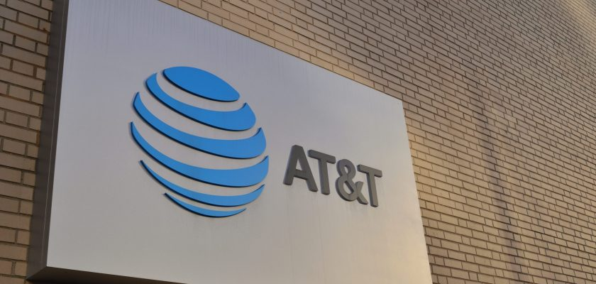 AT&T Reward Cards Class Action Lawsuit 2021 - A White Scam To Lure New Customers?