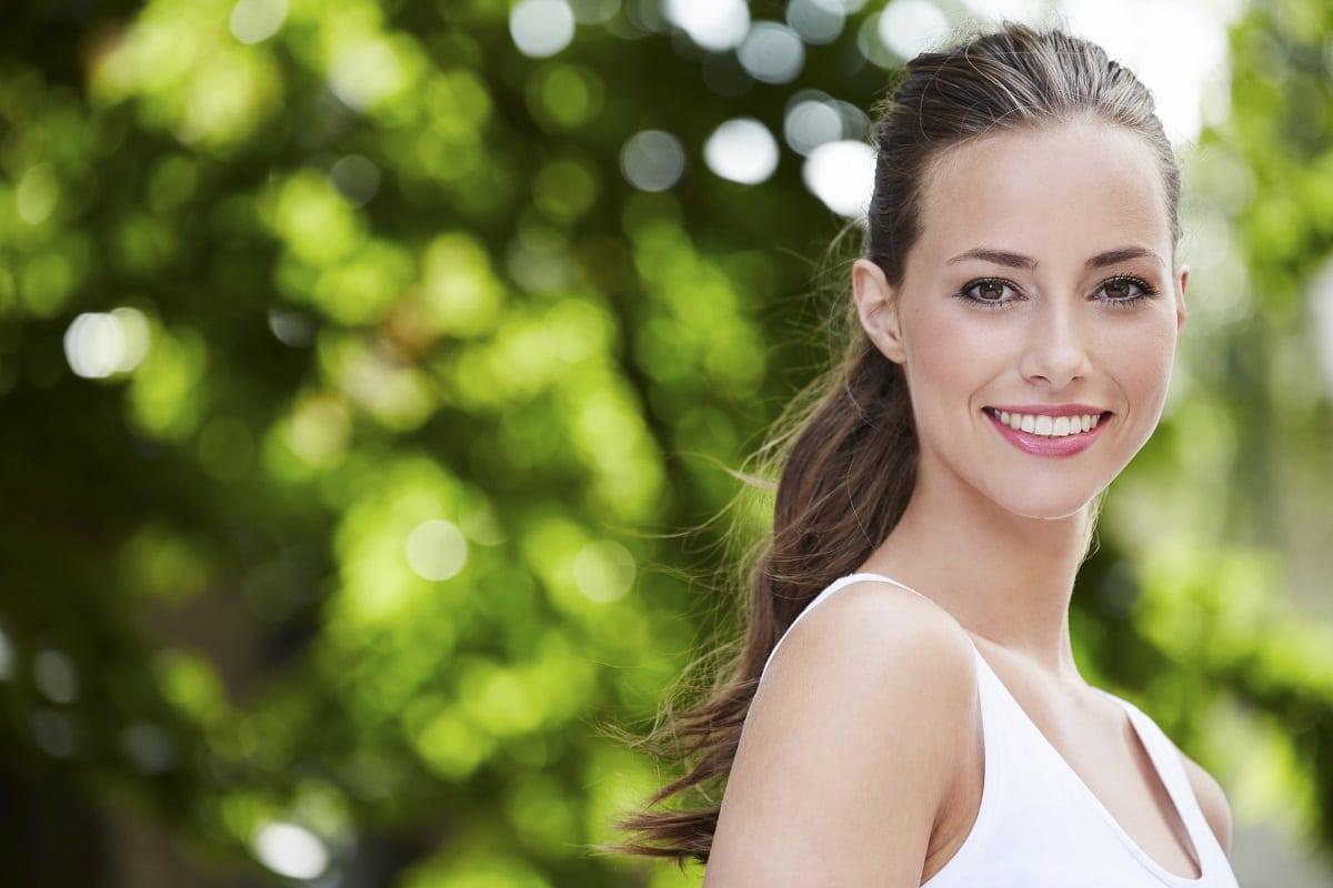 donna giovane miti da sfatare su invecchiamento della pelle