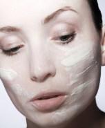 Crema viso per l'inverno: come scegliere la più adatta a te
