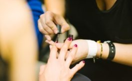 Come far sembrare le unghie più lunghe