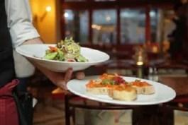 Sognare di mangiare ad un ristorante: cosa significa? Sogno di Antonino
