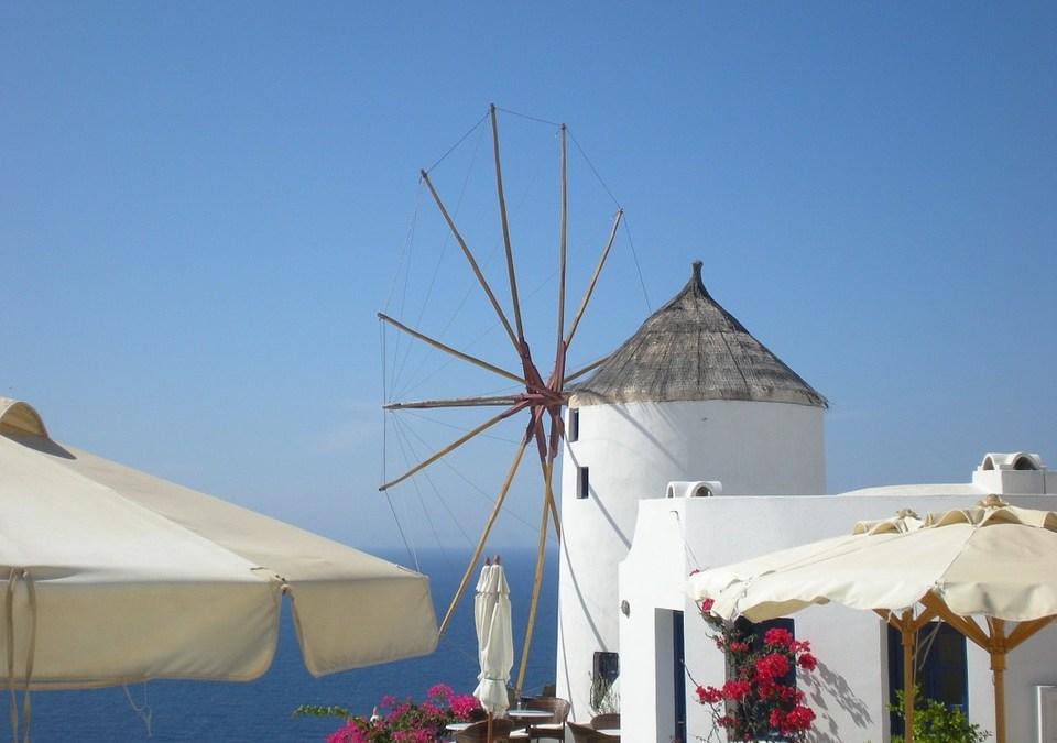Cealaltă față a celebrității. Santorini vrea și ea mai puțini vizitatori