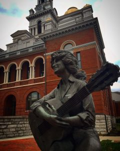 Dolly Statue in Sevierville, Tennessee