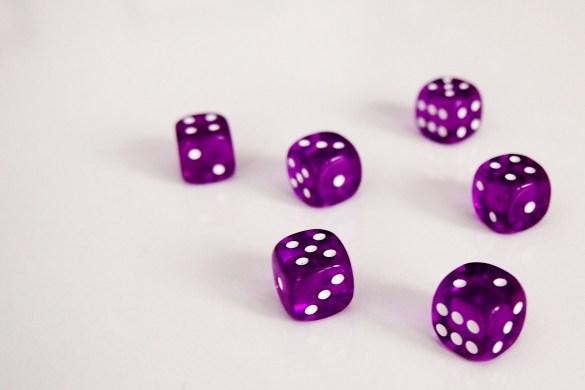 En su turno, cada jugador lanzará los dados.