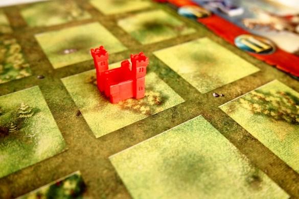 En su turno, cada jugador podrá colocar un castillo en una casilla vacía del tablero...