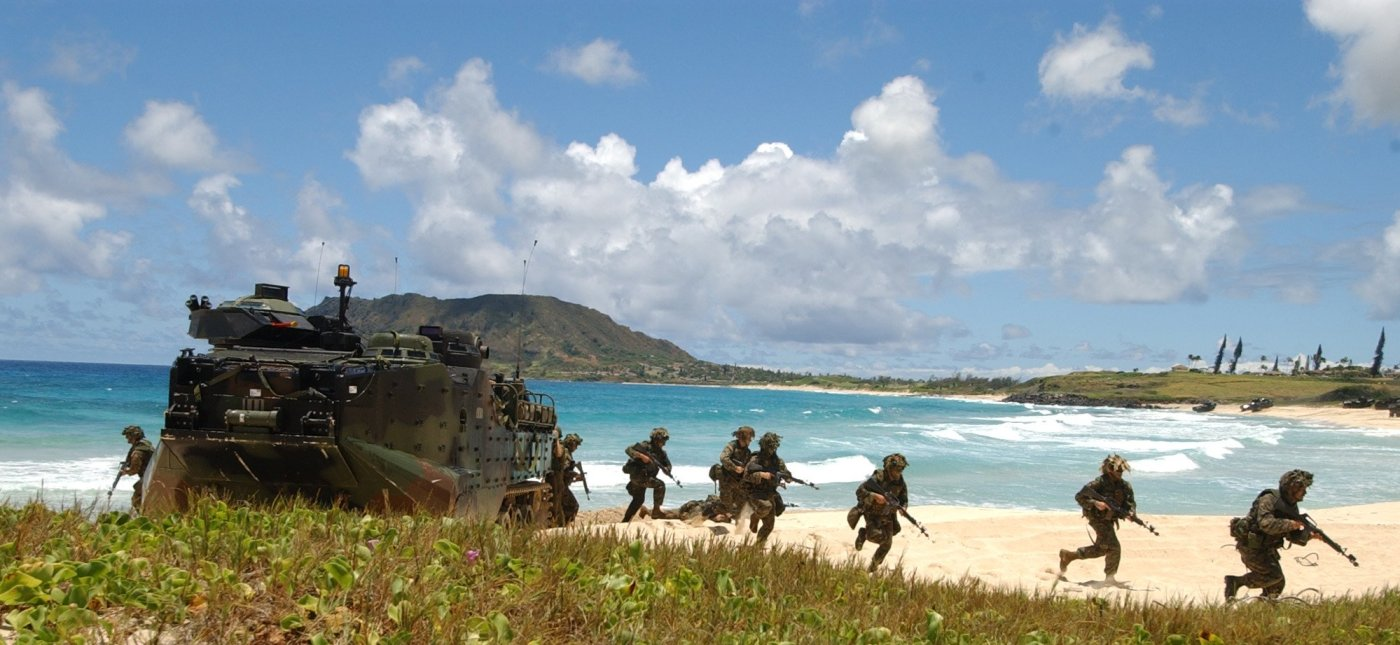 U.S. Marines in exercise at Marine Corps Base Hawaii, 2004. (United States Navy photo by Photographer's Mate 1st Class Jane West)