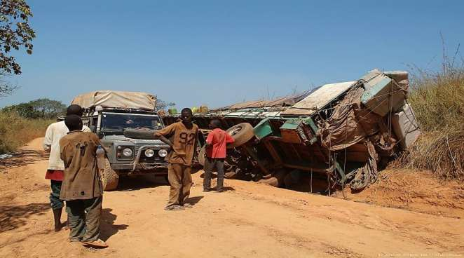 A scene of an accident in Guinnea Bissau | thisfabtrek.com