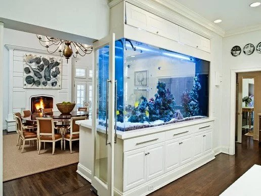 sala-de-estar-classica-com-aquario