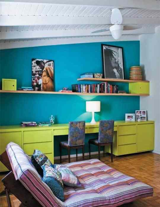 home-office-simples-e-colorido-verde-e-azul