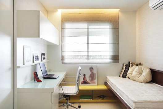 escritorio e cama auxiliar
