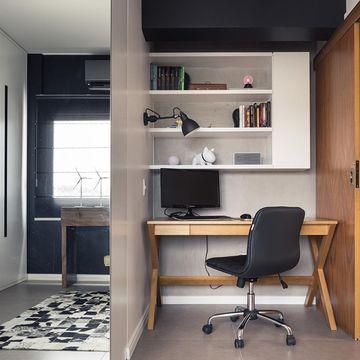 escritorio-pequeno-em-casa-preto-e-madeira