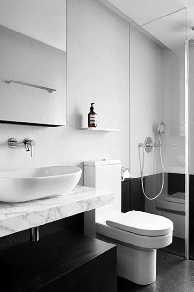 07 banheiro com piso preto fosco