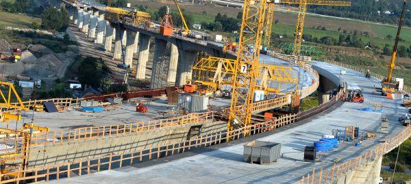 Construção Civil em foco: Trump planeja investir US$137 bi em infraestrutura nos EUA