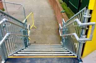 Layher FW System Continuous Guardrail