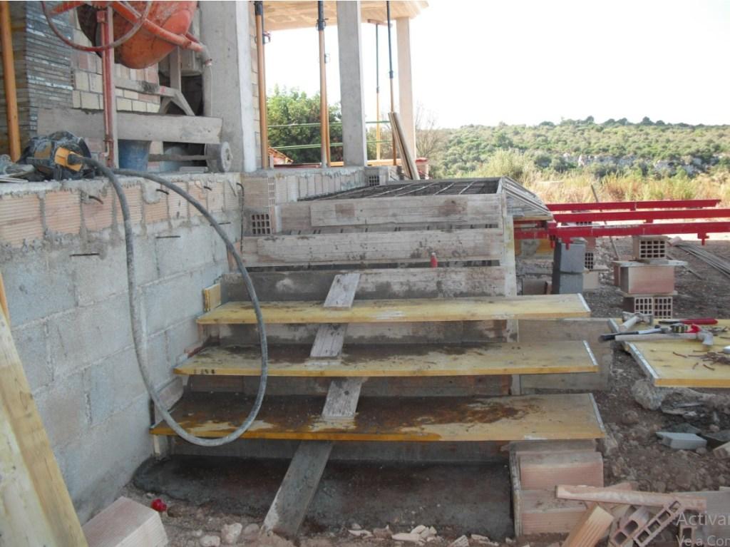 escalera hecha en hormigón armado