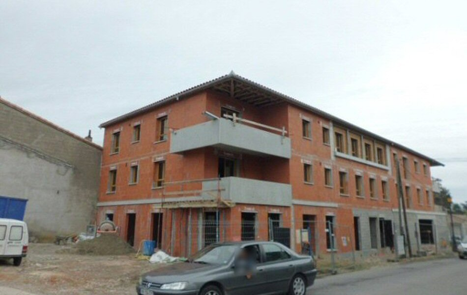 PENDANT-TRAVAUX-CONSTRUCTION-LOGEMENTS-COLLECTIFS-PLAISANCE-