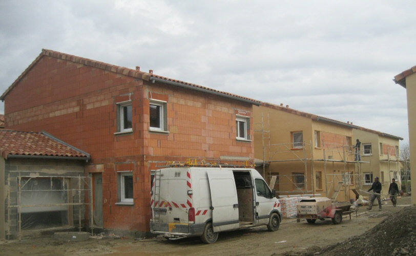 PENDANT TRAVAUX 2 CONSTRUCTION de 26 VILLAS BBC