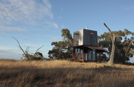 Fachada de pequeña casa de camping