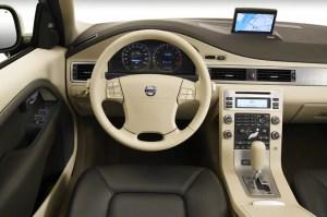 200814 Volvo XC70 | Consumer Guide Auto