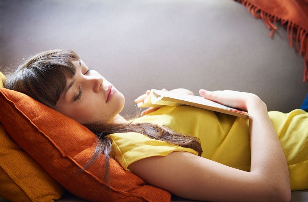Tips For Falling Asleep Quicker, According To Sleep Experts!