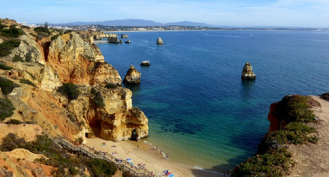 Portugueses reforçam preferência por férias em Portugal