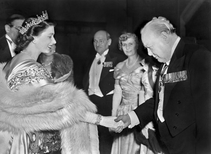 the-princess-elizabeth-of-great-britain-greets-winston-news-photo-1090631010-1563815247