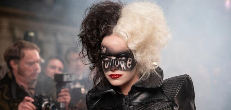 Cruella - Emma Stone in unique costumes in new photos from the movie