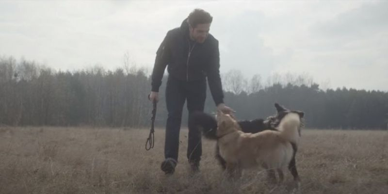 Actors and their dogs.  Among dog lovers: Henry Cavill, Tomasz Kot, Jennifer Aniston