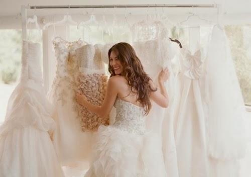 Fases de una novia tras comprar el vestido