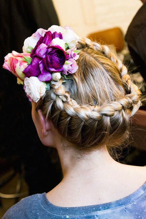recogido-trenza-novia-flores