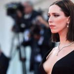 "Rebecca Hall dona salario de su filme con Woody Allen al fondo ""Time is Up"""