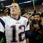 Subastan réplica del anillo de Super Bowl LI que Tom Brady ganó en Houston